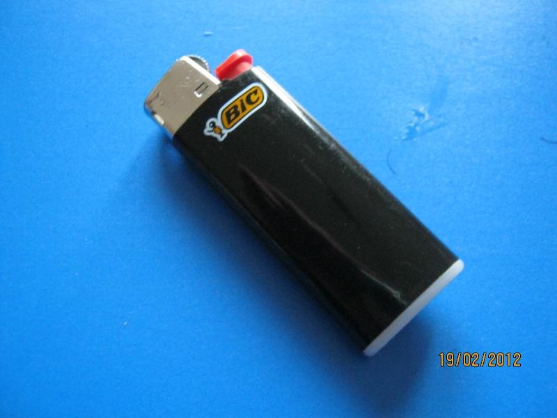 Bidouille le briquet gaz en situation de survie - Comment recharger un briquet ...