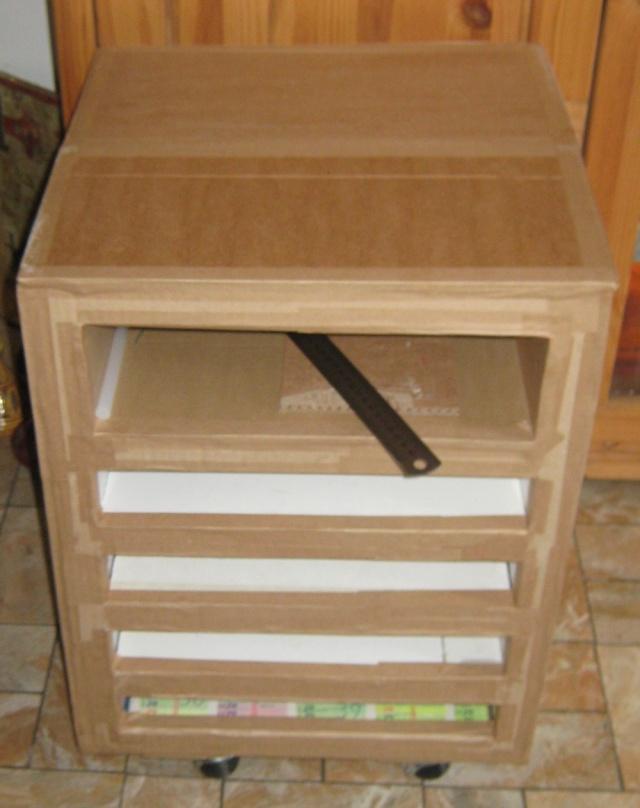 Meuble en carton rangement feuilles de scrap for Different type de bois pour meuble