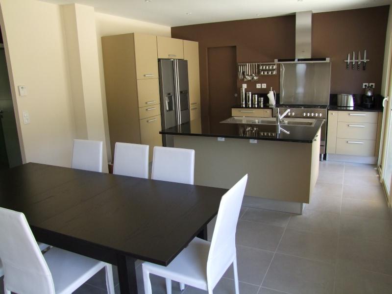 conseil d co peinture et carrelage cuisine et salon sam page 13. Black Bedroom Furniture Sets. Home Design Ideas