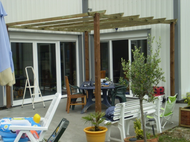pergola pour terrasse realise 16 messages. Black Bedroom Furniture Sets. Home Design Ideas