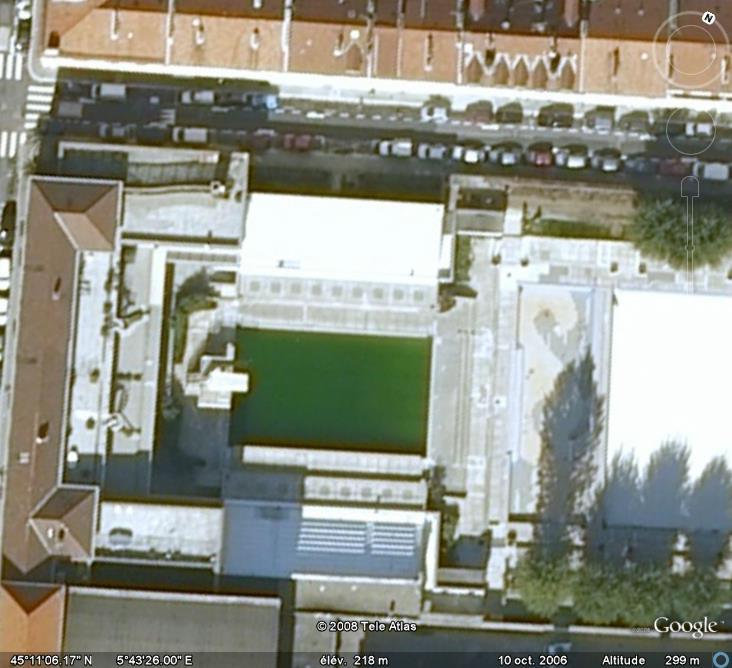 Les piscines du monde d couvertes avec google earth page 8 for Piscine eaubonne