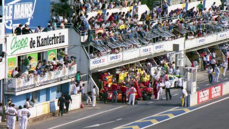 stand 24h du mans 1990. Black Bedroom Furniture Sets. Home Design Ideas