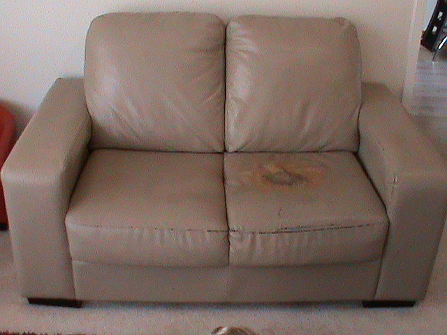 2couch10.jpg
