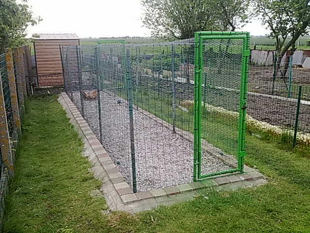 Fabrication d un parc en urgence - Faire un terrain de petanque pas cher ...