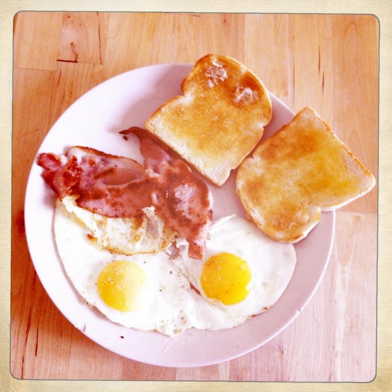 #Étés 2012 – C'est l'été, on réveille le petit-déjeuner : oeufs au bacon