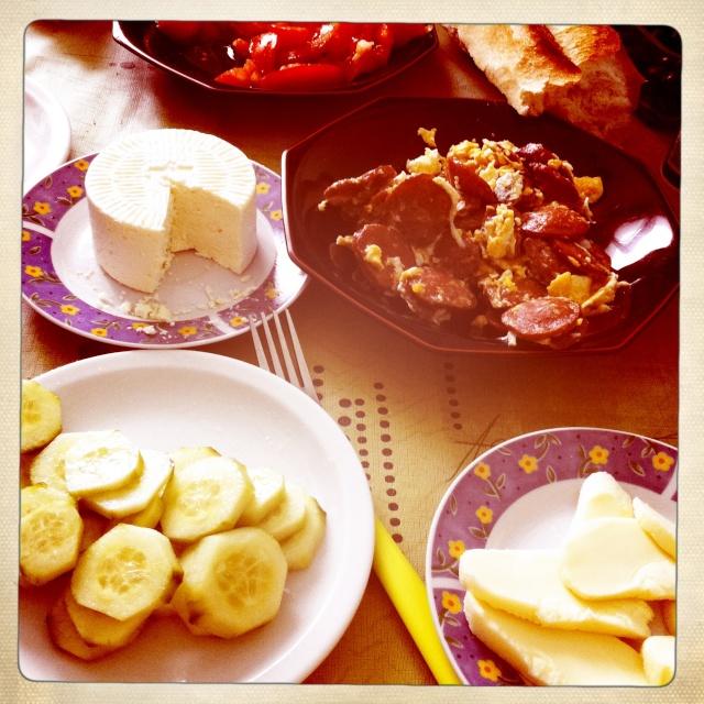 #Étés 2012 – C'est l'été, on réveille le petit déjeuner : kahvalti (petit-déjeuner turc)